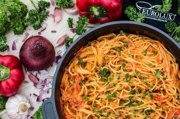 Eurolux-Rezept-Spaghetti-Paprikapfanne-Gusspfanne2